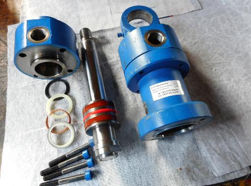 Bestandteile eines Hydraulikzylinders.